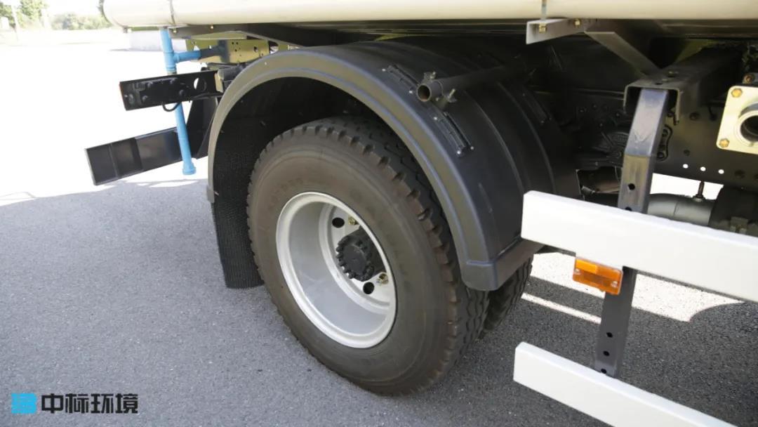 中标环境洒水车轮胎