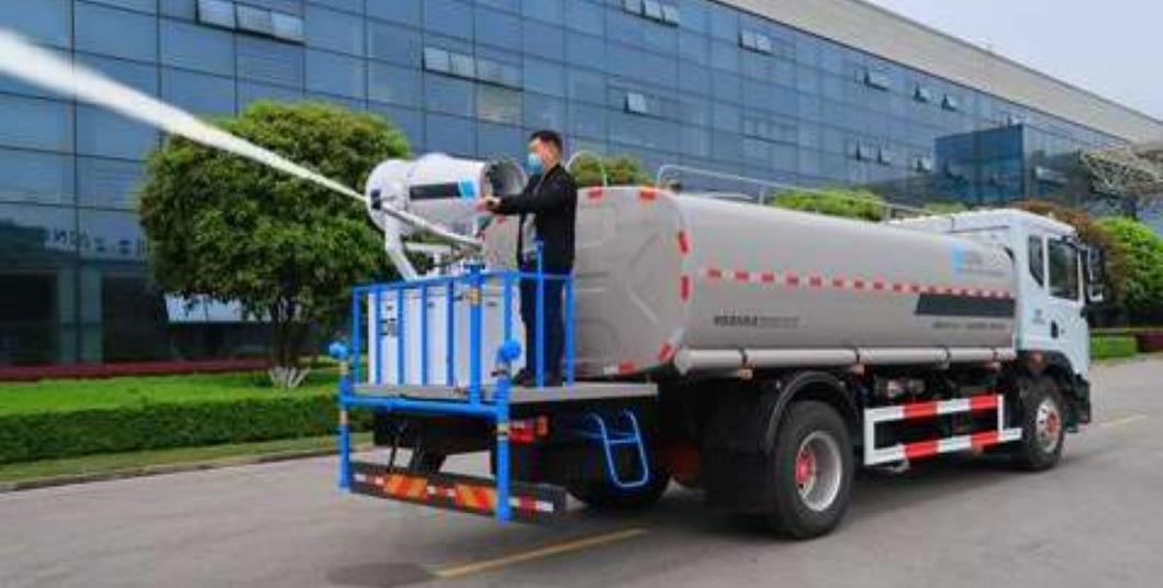 中标18吨环卫绿化喷洒车2
