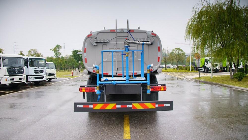 中标18吨环卫道路洒水车