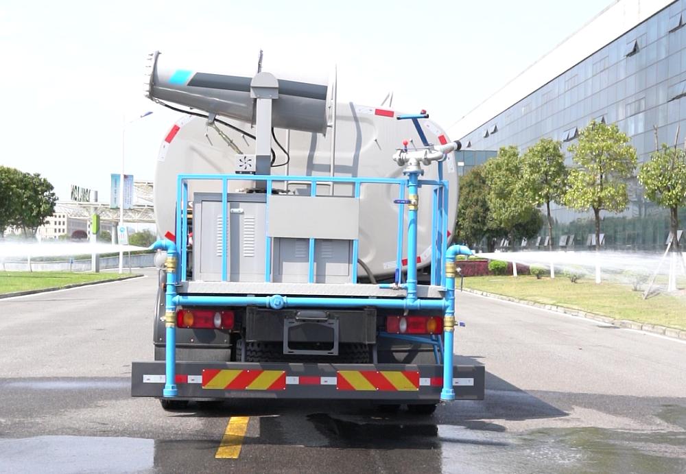 中标16吨绿化喷洒车
